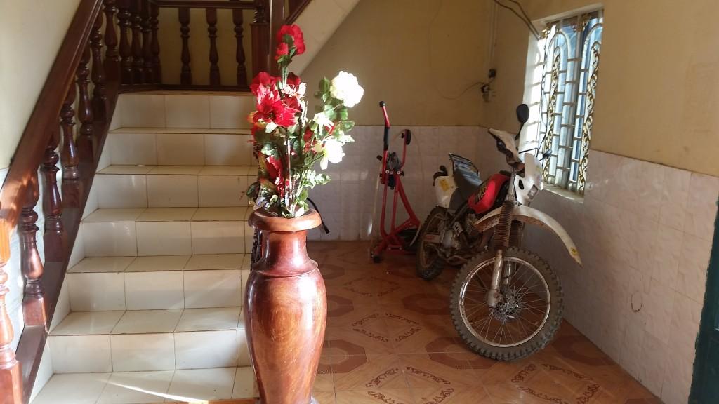 Motocyklem po Kambodży - parkowanie