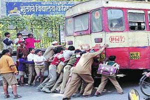 Indie - zepsuty autobus