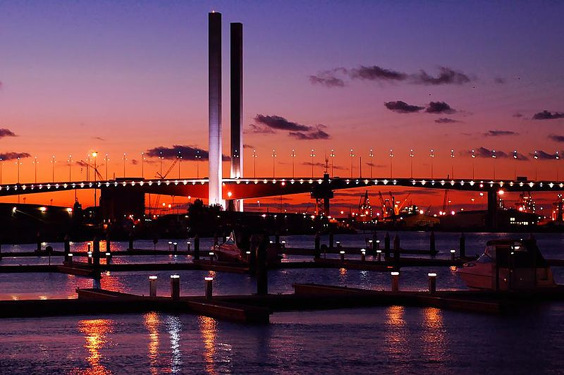 Melbourne - Bolte bridge o zmroku