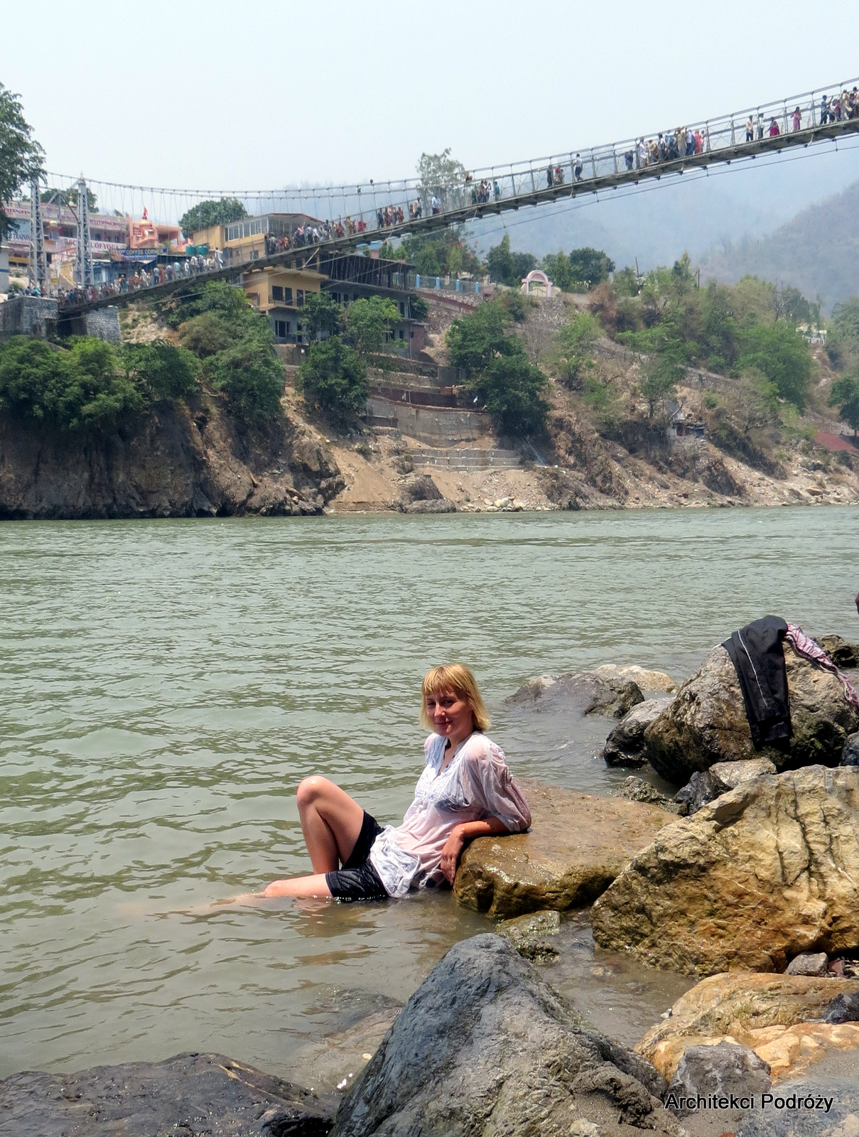 Rishikesz - kąpiel w Gangesie