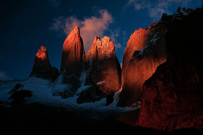 Wschód Słońca nad Torres del Paine