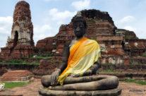 Ayutthaya – siedzący budda