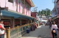 Indie – Dharamsala – ulice miasta