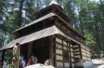 Indie, Manali, świątynia