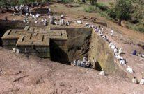 Zwiedzanie Etiopii – Lalibela – pielgrzymi