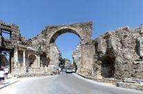 Zwiedzanie Turcji – Side – Brama Wespazjana