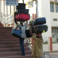 10 rzeczy, które kobieta powinna zabrać w podróż | jak się spakować na wakacje