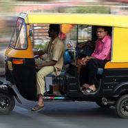 Tuk – tuk, inaczej ryksza: azjatycka trójkołowa taksówka